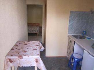 Кухня номера 1 гостевого двора в Евпатории на Московской/угол Киевской