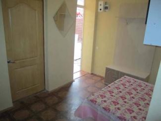 Кухня номера 3-4 гостевого двора в Евпатории на Московской/угол Киевской
